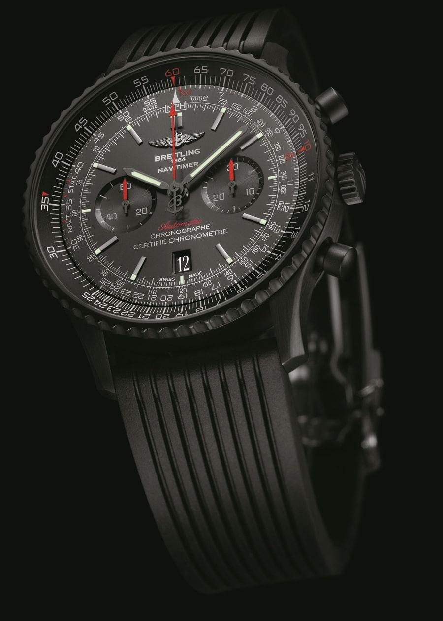 Breitling verbaut in allen Uhren chronometerzertifizierte Werke, auch in der Breitling Navitimer 46 Blacksteel