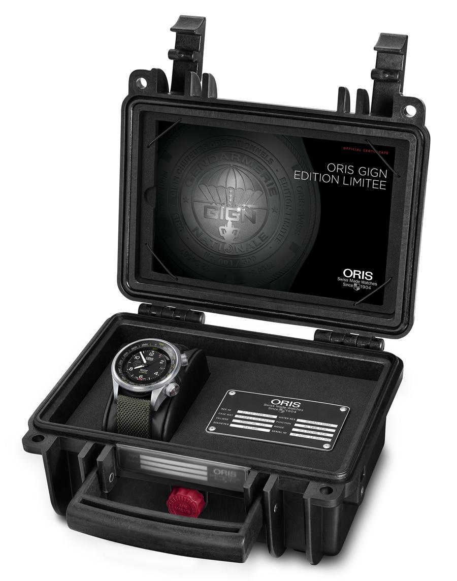 Die Oris GIGN Edition Limitée kommt in einer wasserdichten Box.