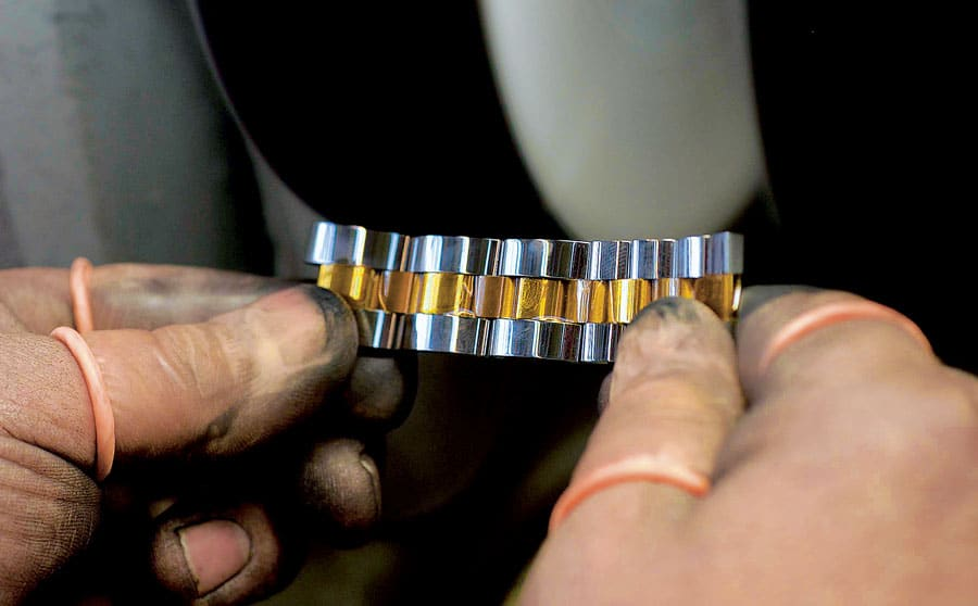 Politur für das Uhrenarmband aus Metall
