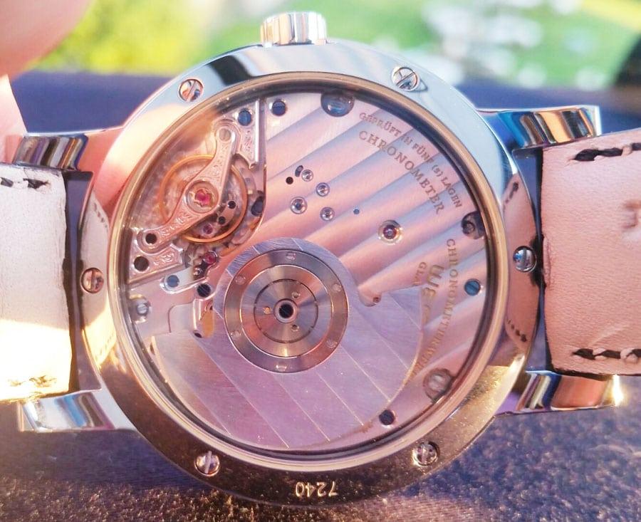 Wempe Glashütte: Das neue Automatikwerk der Chronometerwerke Automatik ist durch den Saphirglasboden sichtbar