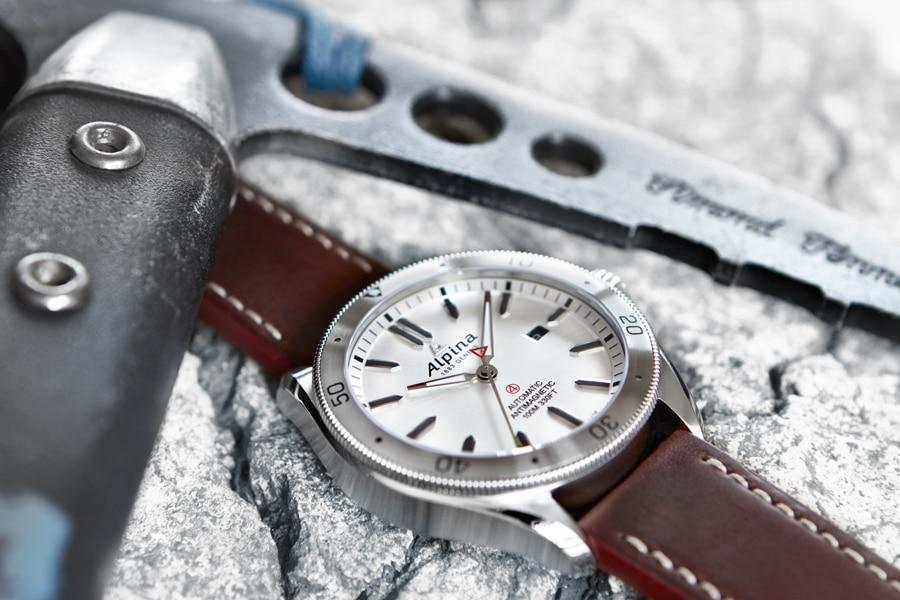Neu: die Alpiner 4 Automatic von Alpina