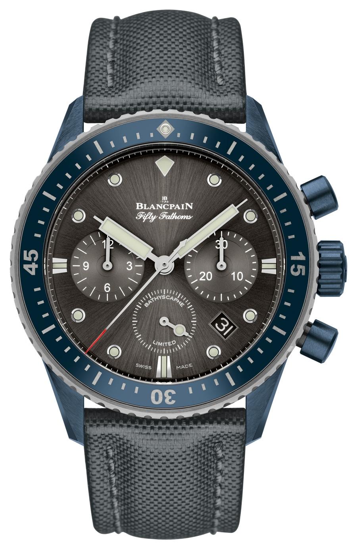 Blancpain Fifty Fathoms Bathyscaphe Flyback Chronograph Blancpain Ocean Commitment II: Lünette, Krone und Drücker bestehen aus blauer Keramik