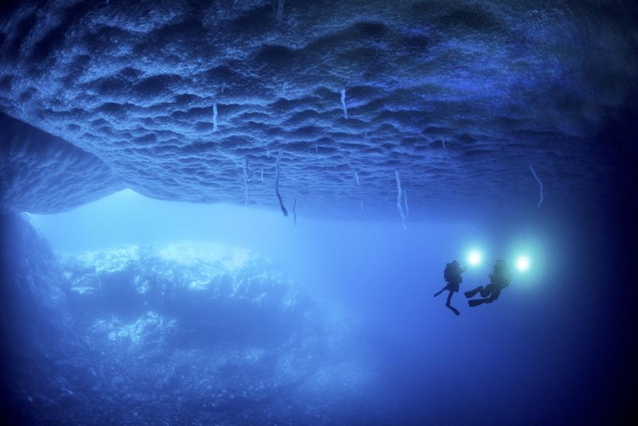 Von jeder verkauften Fifty Fathoms Bathyscaphe Flyback Chronograph Blancpain Ocean Commitment II gehen 1.000 Euro an die Expedition Gombessa II