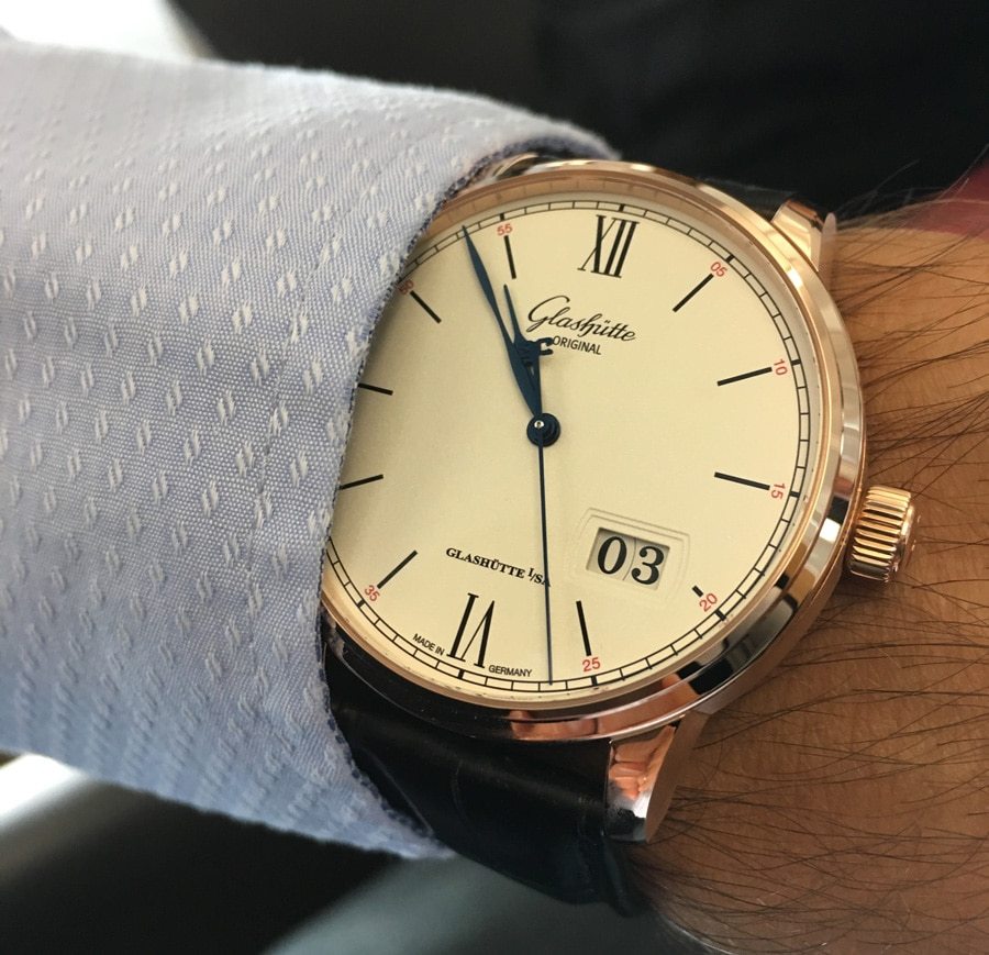 Am Handgelenk: Glashütte Original Senator Excellence Panoramadatum in Rotgold