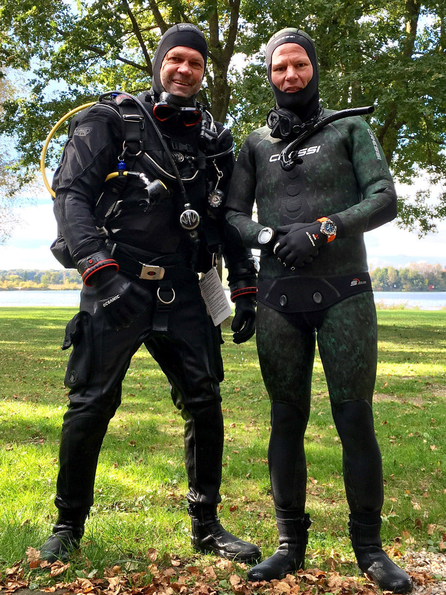 Testeten die Oris Aquis Depth Gauge Edition Chronos beim Tauchgang: Tauchlehrer Jens Köppe (links) und Chronos-Redakteur Jens Koch