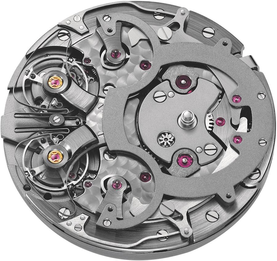 Das Manufakturkaliber ARF15 besitzt an der Neun-Uhr-Position zwei Unruhsysteme, welche synchron zueinander laufen.