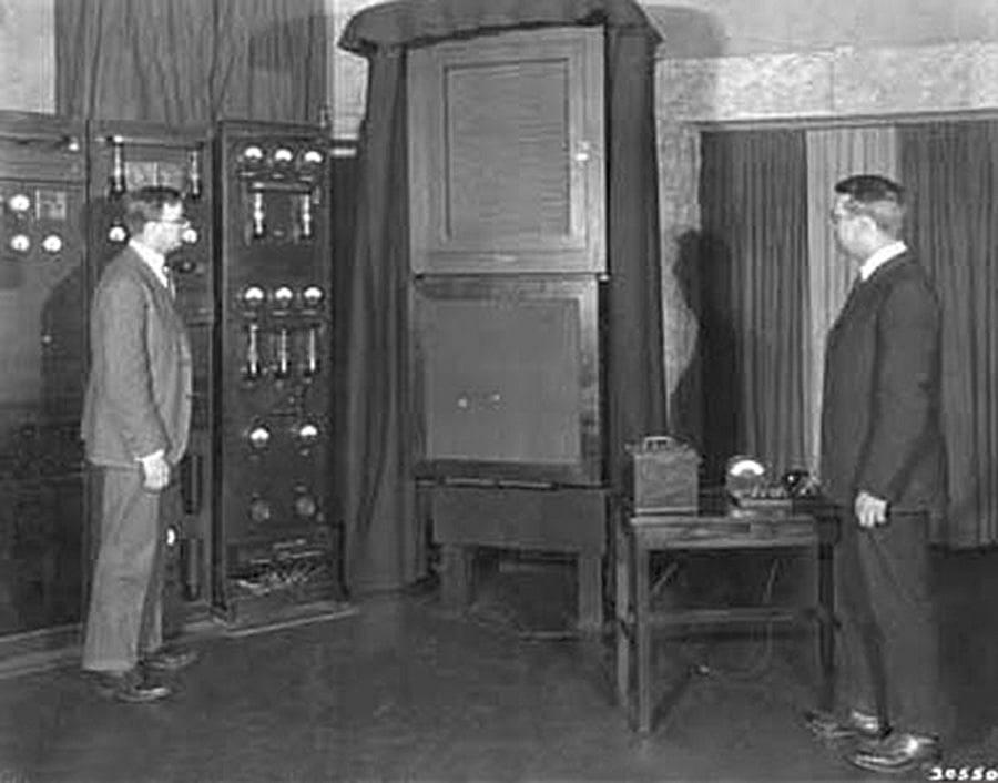 Pioniere: Marrison (rechts) und Horton entwickelten 1929 die erste Quarzuhr der Welt
