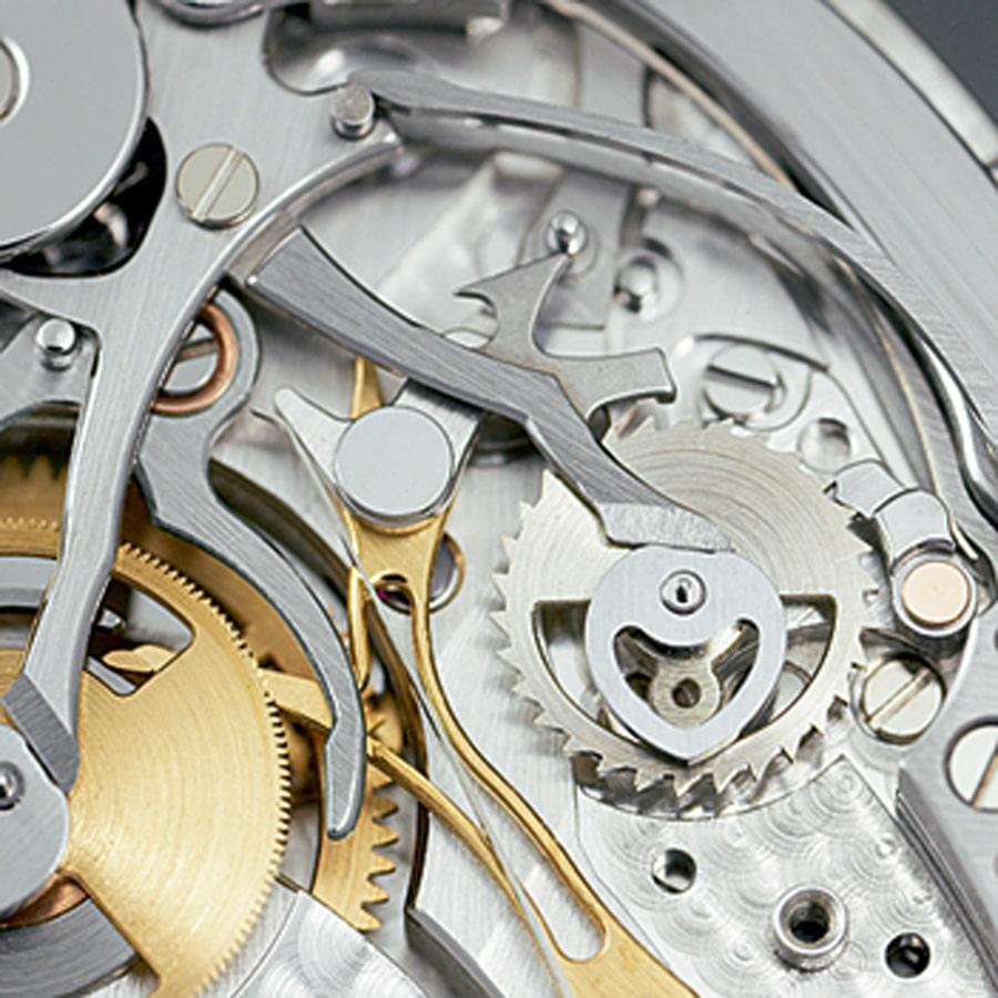 Herzhebel: Sie sind zum Nullstellen des Chronographen mit einem System der Selbstjustierung versehen