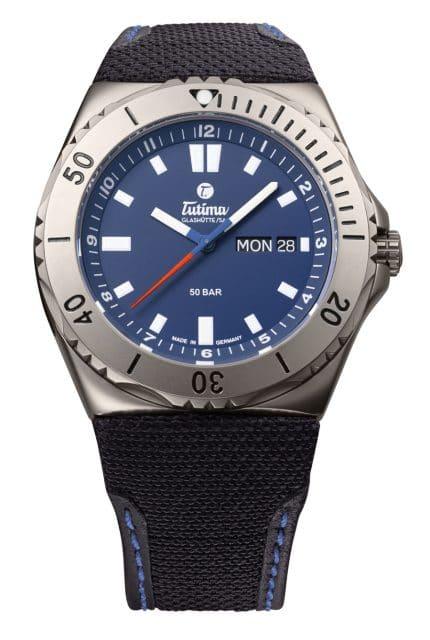 Tutima: M2 Seven Seas mit tiefblauem Zifferblatt und Kevlarband