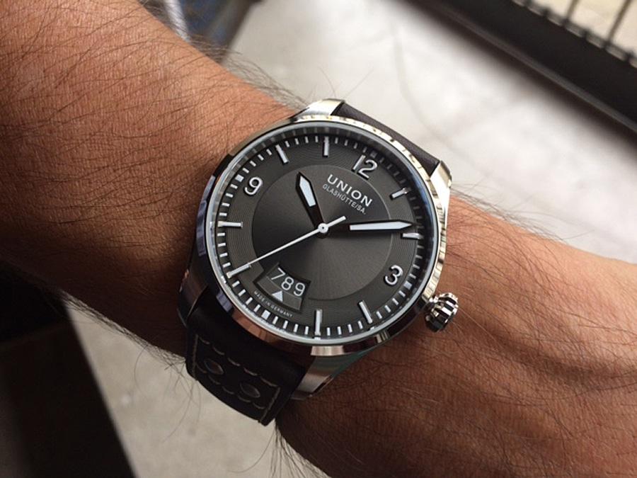 Wristshot der Union Glashütte Belisar Pilot Datum