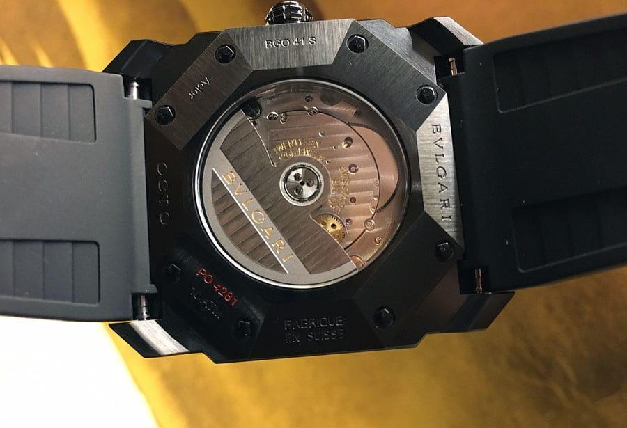 In beiden Varianten der Octo Ultranero tickt das Automatikkaliber BVL 193