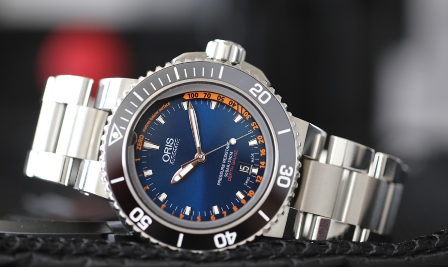 Oris: Aquis Depth Gauge Edition Chronos in der Edelstahlvariante