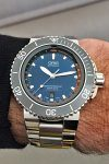 Wristshot der Oris Aquis Depth Gauge Edition Chronos