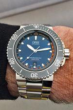 Wristshot der Oris Aquis Depth Gauge Edition Chronos