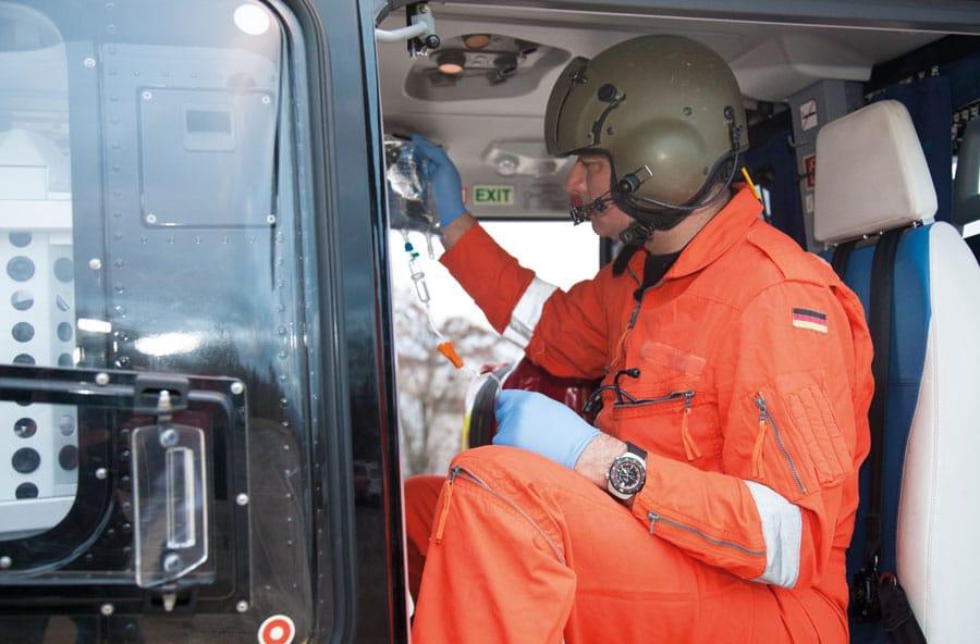 Sinn Spezialuhren: Der EZM 12 ist für Rettungskräfte konzipiert