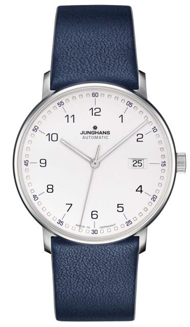 Junghans Form Automatic mit arabischen Zahlen und blauen Quadraten an einem blauen Lederband