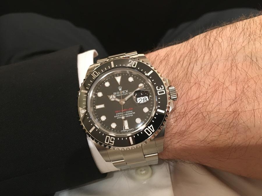 So sieht die neue Rolex Oyster Perpetual Sea-Dweller am Handgelenk