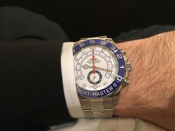Die Rolex Yacht-Master II am Handgelenk