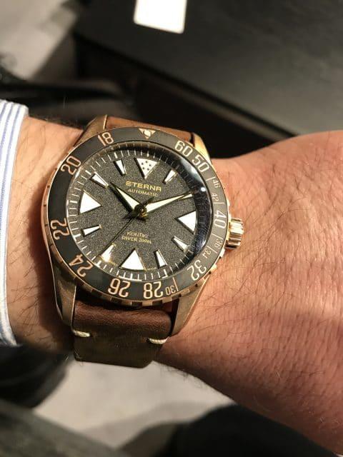 Wristshot: So sieht die Eterna Kontiki Bronze Manufacture am Handgelenk aus