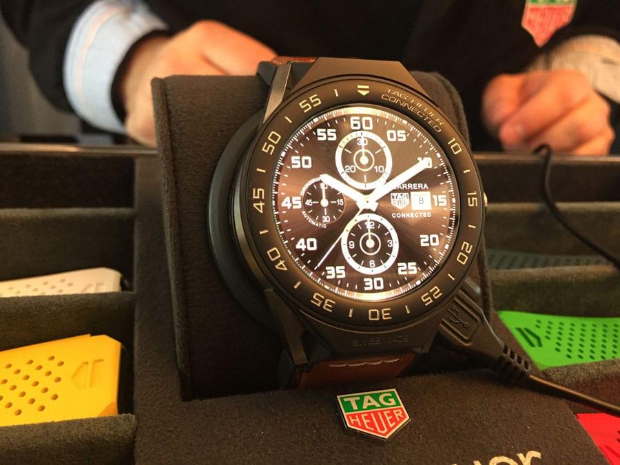 Am 14.03.2017 stellte TAG Heuer seine zweite Generation Connected Watch vor: die Modular 45