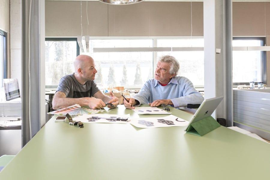 Jörg Schauer arbeitet seit einigen Jahren mit dem ehemaligen Apple-Designer Hartmut Esslinger zusammen
