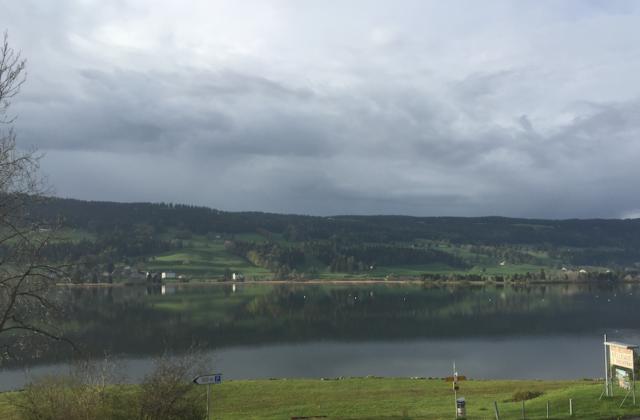 Der fischreiche Lac de Joux im gleichnamigen Uhrmachertal im Schweizer Jura.