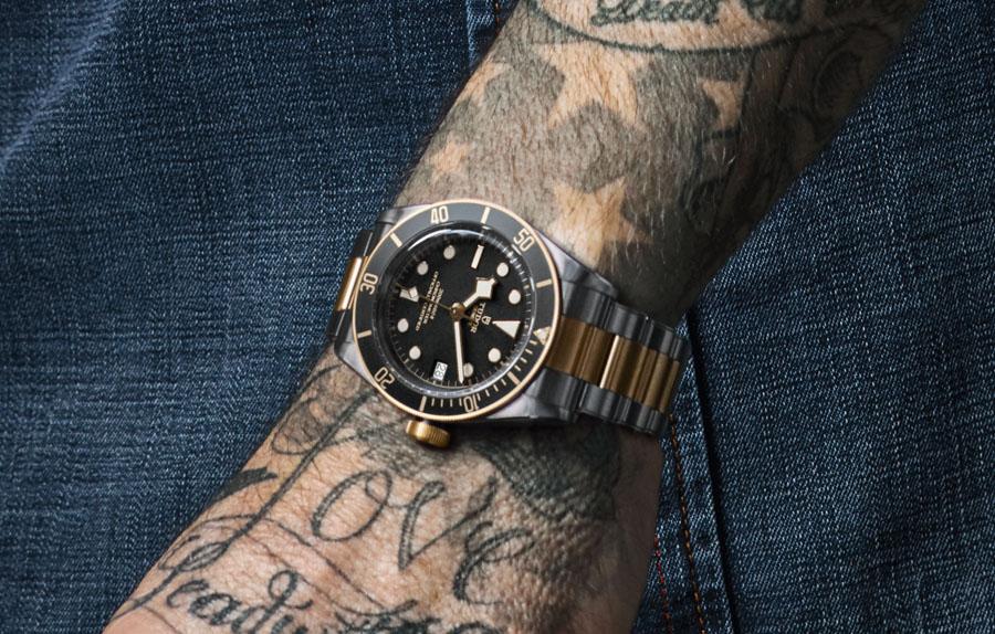 David Beckham trägt die Tudor Heritage Black Bay S&G