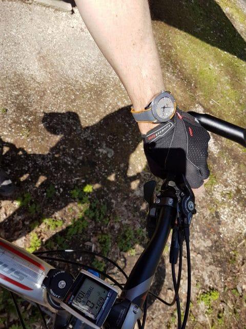 Fahrradtour mit der Omega Seamaster Planet Ocean 600 M Co-Axial Master Chronometer