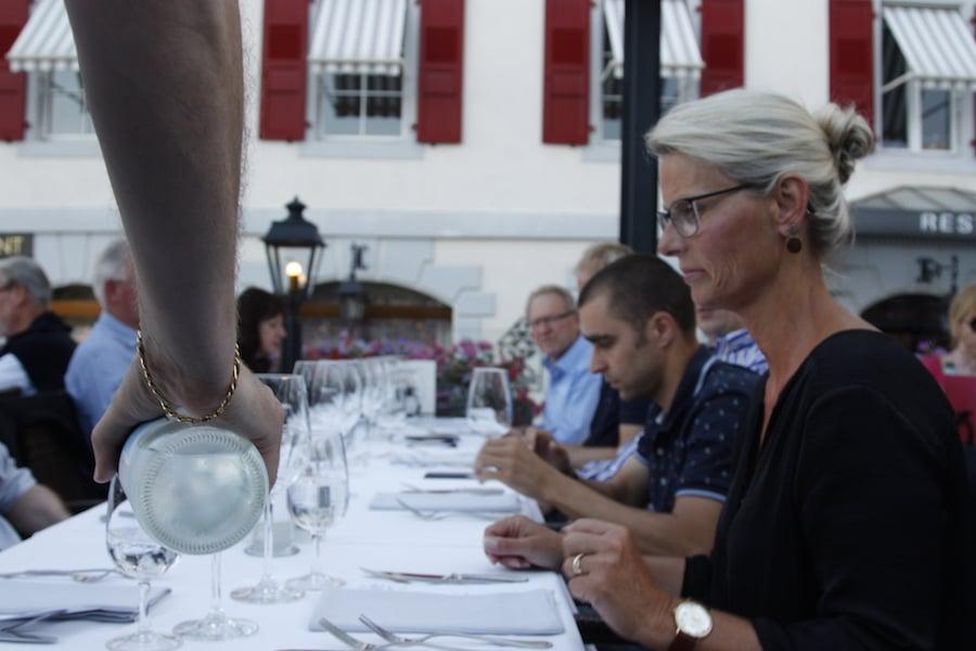 Beim gemeinsamen Abendessen in Morges am Genfer See wurden die Erfahrungen ausgetauscht