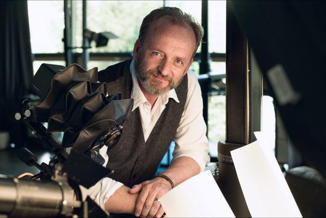Olaf Köster zeichnet sich für die Bilddramaturgie der Selected Superlatives verantwortlich.