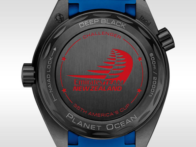 "Gehäuseboden der Omega Seamaster Planet Ocean ETNZ ""Deep Black"" Master Chronometer"