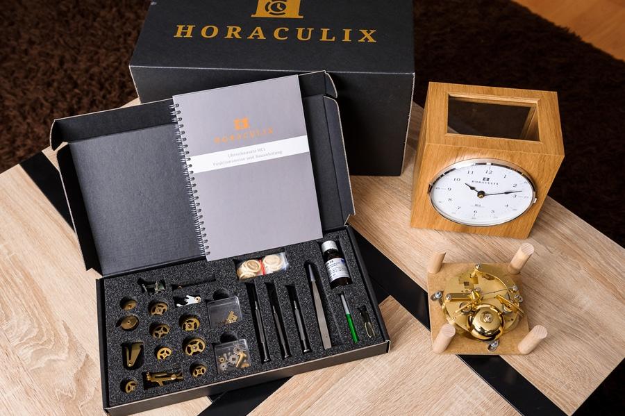 Horaculix HC1: Der Lieferumfang des Uhrenbausatzes