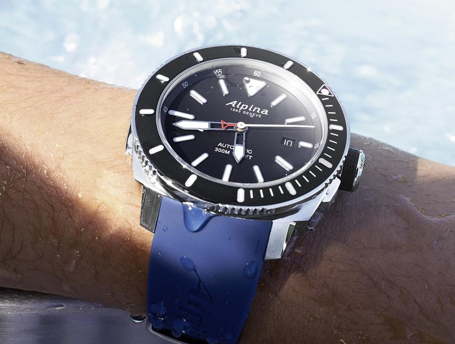 Die dritte Uhr des Vergleichstest Taucheruhren ist die Alpina Seastrong Diver 300