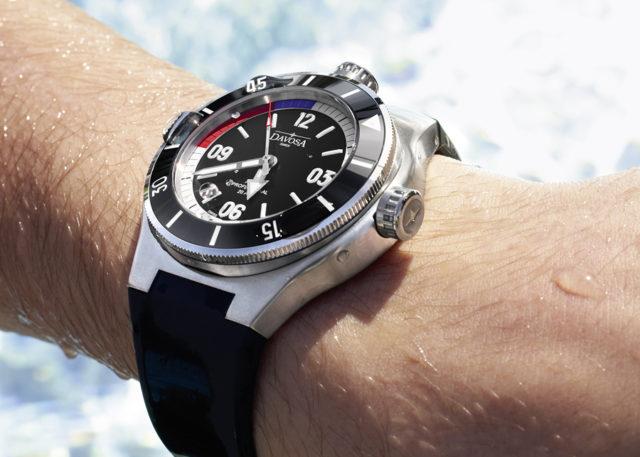 Wie schneidet die Apnea Diver Automatic von Davosa im Vergleich ab?