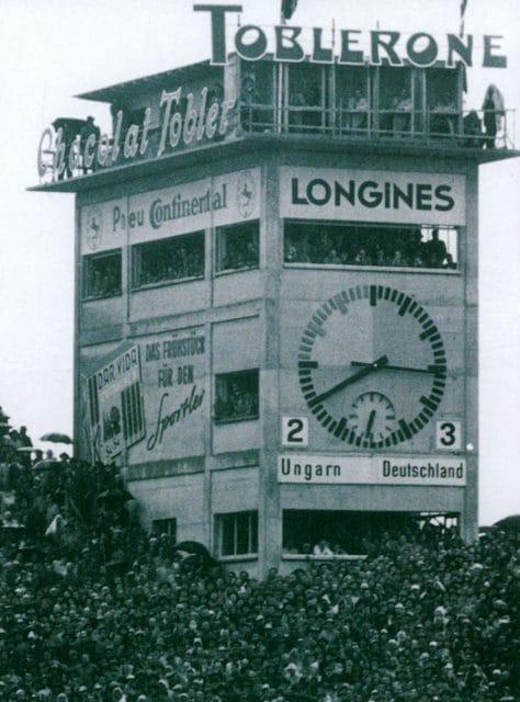 Longines-Werbung beim WM-Finale 1954 im Berner Wankdorfstadion