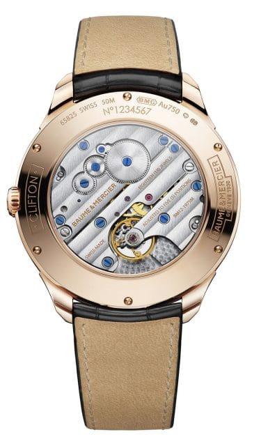 Durch den Gehäuseboden der Clifton Handaufzug 1830 ist das Uhrwerk BM12-1975M zu sehen