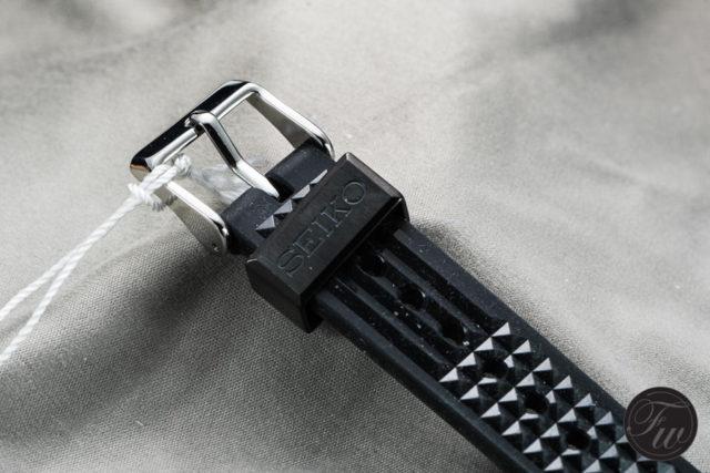 Akkordeon-Armband und Schließe der Seiko Prospex SLA017