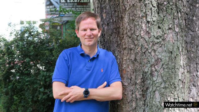Die TAG Heuer Connected Modular 45 am Arm von Redakteur Jens Koch