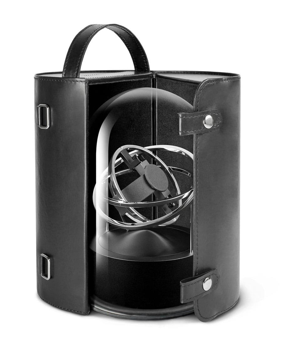Uhrenbeweger von Bernard Favre:  Der Planet double-axis wird mit Lederetui geliefert