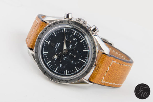 Omega: Speedmaster Professional '57 'Broad Arrow' Re-Edition (Referenz 3594.50) am getönten Kalbslederband