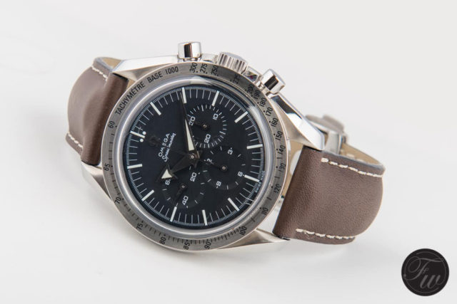 Omega: Speedmaster Professional '57 'Broad Arrow' Re-Edition (Referenz 3594.50) am OEM-Kalbslederband