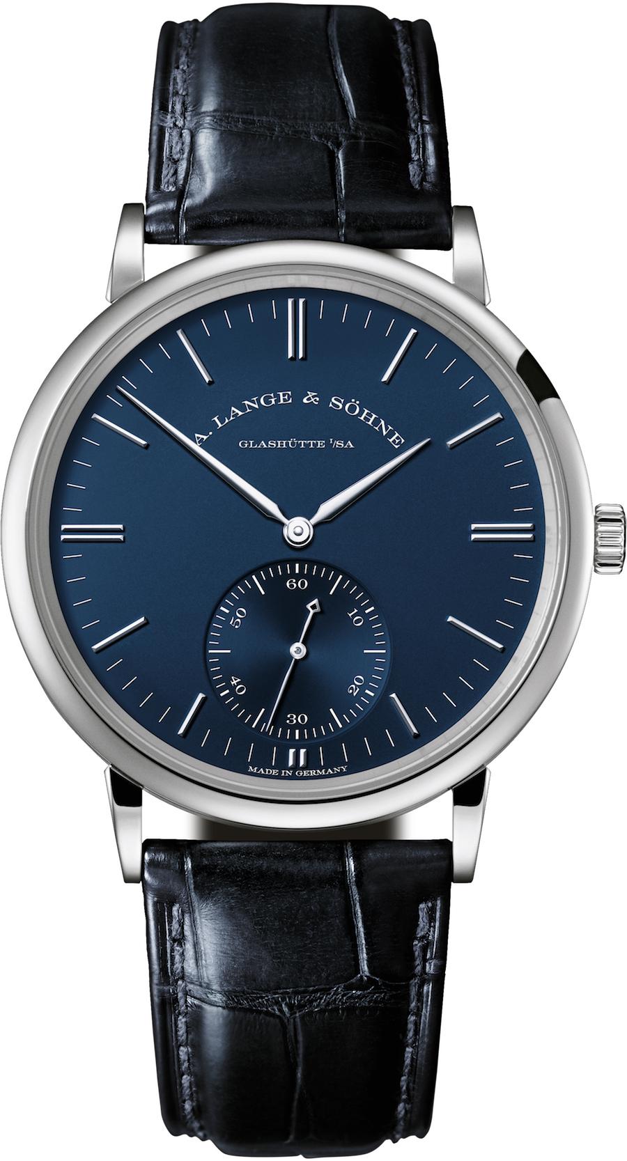 Die A. Lange & Söhne Saxonia Automatik mit blauem Zifferblatt mit 28,5 Millimeter im DurchmesserLange & Söhne Saxonia-Automatik mit blauem Zifferblatt mit 38,5 Millimeter im Durchmesser