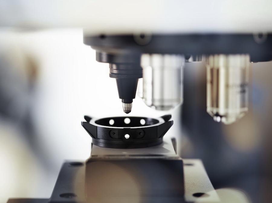 Das Ceratanium-Gehäuse während eines Härtetests