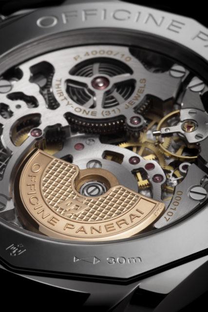 In der Panerai Luminor Due 3 Days Automatic Acciaio 45mm PAM 00739 kommt das skelettierte Manufakturkaliber P.4000/10 zum Einsatz