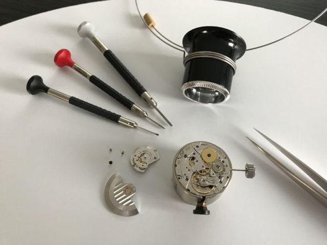 Beim Uhrenseminar der Watch Academy können ein Handaufzugs-, Automatik- oder Chronographenkaliber zerlegt und wieder zusammengesetzt werden