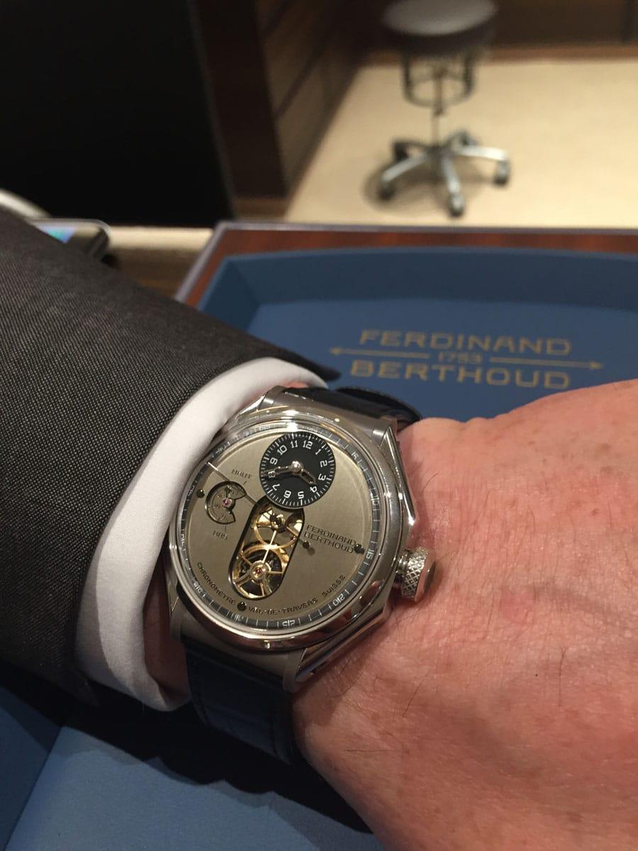 So sieht die Chronomètre Ferdinand Berthoud FB 1.3 am Handgelenk aus