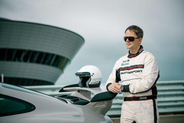 Chronos-Redakteur Jens Koch hat die Porsche Design Monobloc Actuator im Porsche 911 GT3 getestet