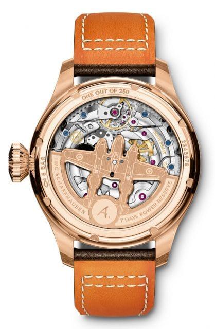 "Rückseite der IWC Big Pilot's Watch Annual Calendar Edition ""Antoine de Saint Exupéry"""