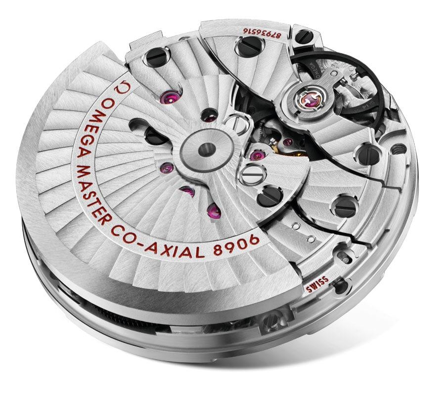 Omega-Kaliber: 8906 mit GMT-Funktion und Datumsanzeige