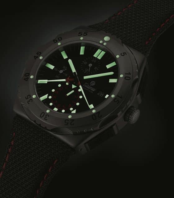 Auch bei Dunkelheit lassen sich alle Funktionen und Einrichtungen des Tutima M2 Pioneer Chronographen benutzen.